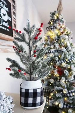 Adorable White Christmas Decoration Ideas 11