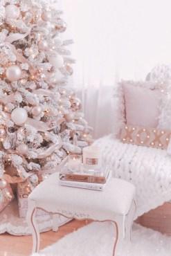 Adorable White Christmas Decoration Ideas 35