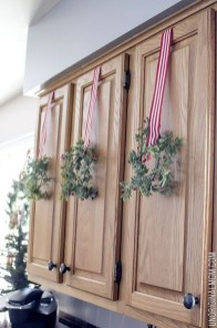 Awesome Christmas Kitchen Decor Ideas 04