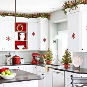 Awesome Christmas Kitchen Decor Ideas 22