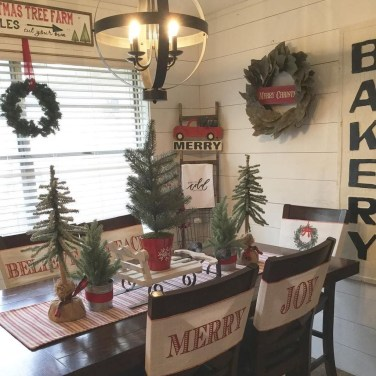 Awesome Christmas Kitchen Decor Ideas 26