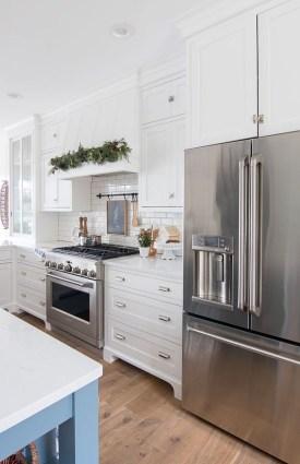 Awesome Christmas Kitchen Decor Ideas 33