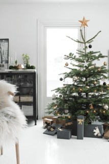 Awesome Scandinavian Christmas Decor Ideas 30