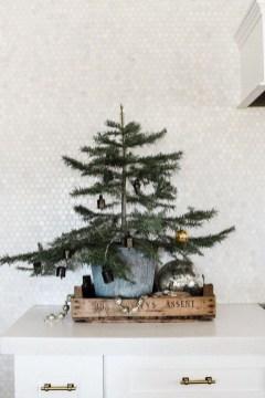 Awesome Scandinavian Christmas Decor Ideas 51