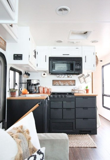 Beautiful Rv Remodel Camper Interior Ideas For Holiday 03
