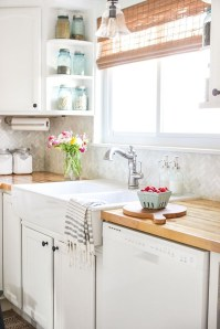 Best Farmhouse Kitchen Sink Ideas 14