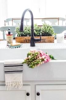 Best Farmhouse Kitchen Sink Ideas 32