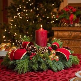 Charming Christmas Candle Decor Ideas 30