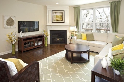 Comfy Winter Living Room Ideas With Fireplace 17