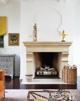 Comfy Winter Living Room Ideas With Fireplace 38