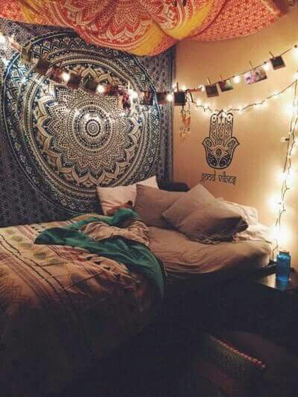 Creative Bohemian Bedroom Decor Ideas 18
