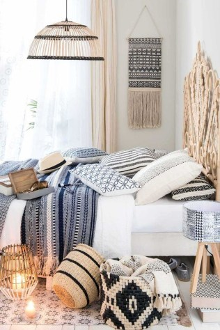 Creative Bohemian Bedroom Decor Ideas 33