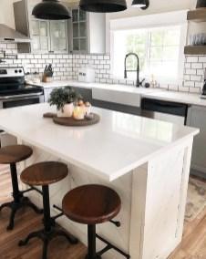 Cute Farmhouse Kitchen Remodel Ideas 05