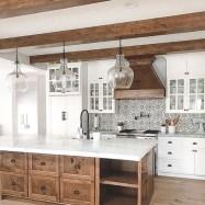 Cute Farmhouse Kitchen Remodel Ideas 14