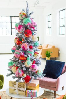 Extraordinary Christmas Tree Decor Ideas 23