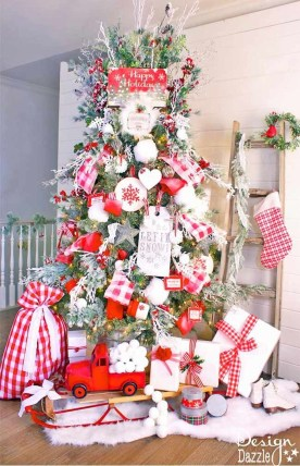 Extraordinary Christmas Tree Decor Ideas 24