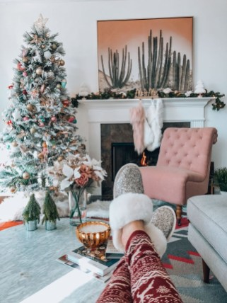 Extraordinary Christmas Tree Decor Ideas 27
