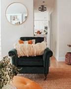 Gorgeous Christmas Apartment Decor Ideas 09