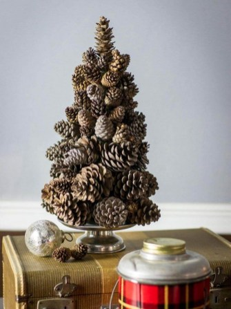 Gorgeous Christmas Apartment Decor Ideas 13