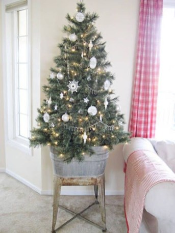 Gorgeous Christmas Apartment Decor Ideas 17