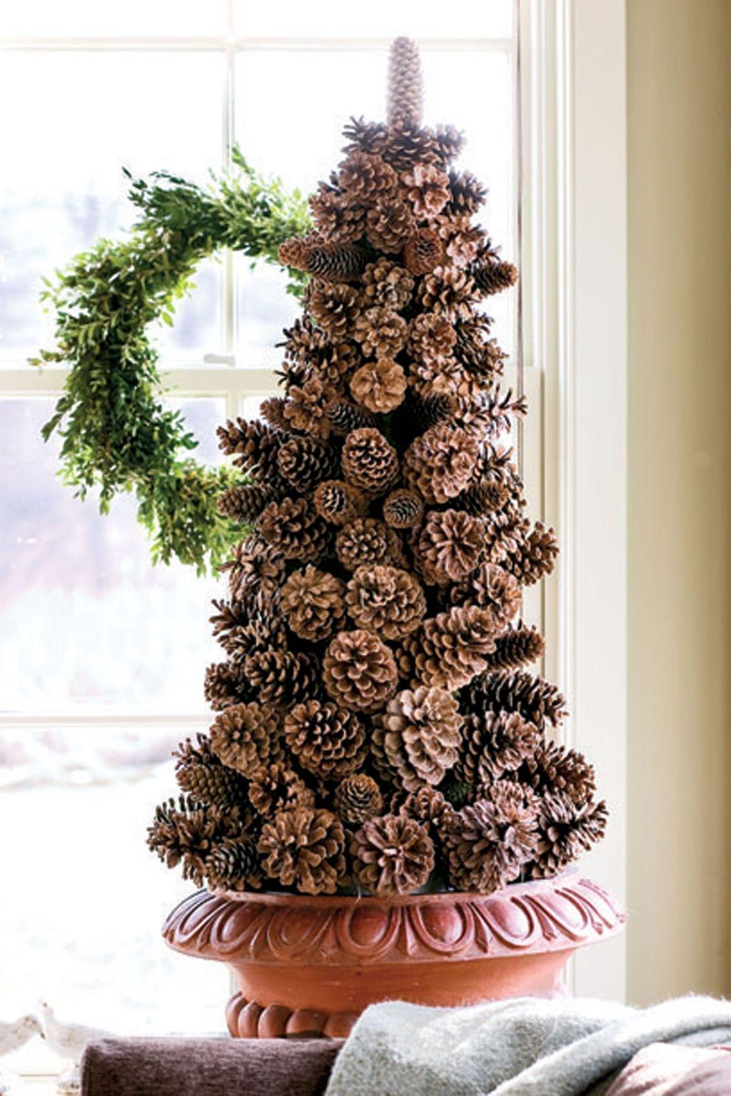 Gorgeous Christmas Apartment Decor Ideas 19