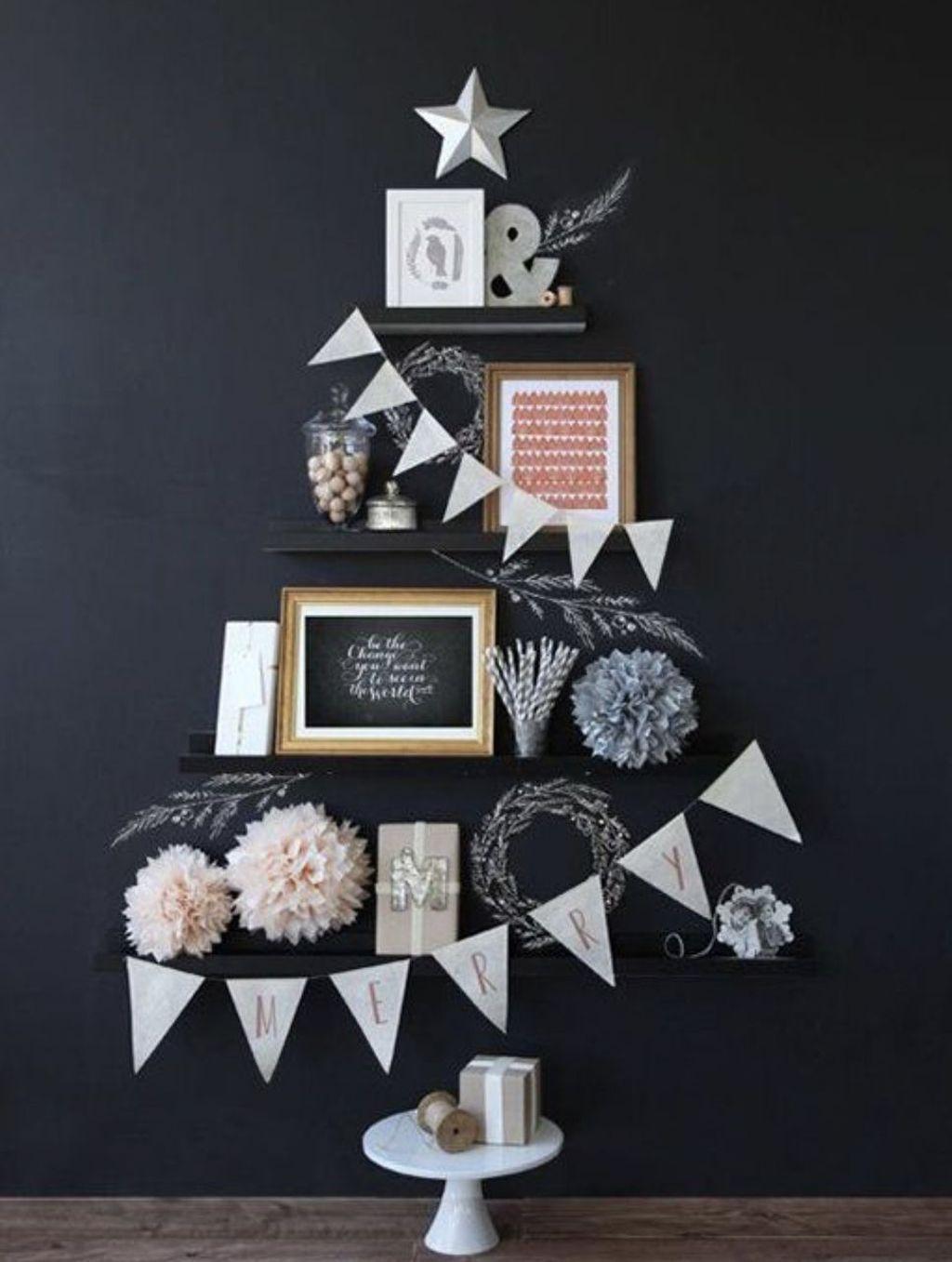 Gorgeous Christmas Apartment Decor Ideas 32