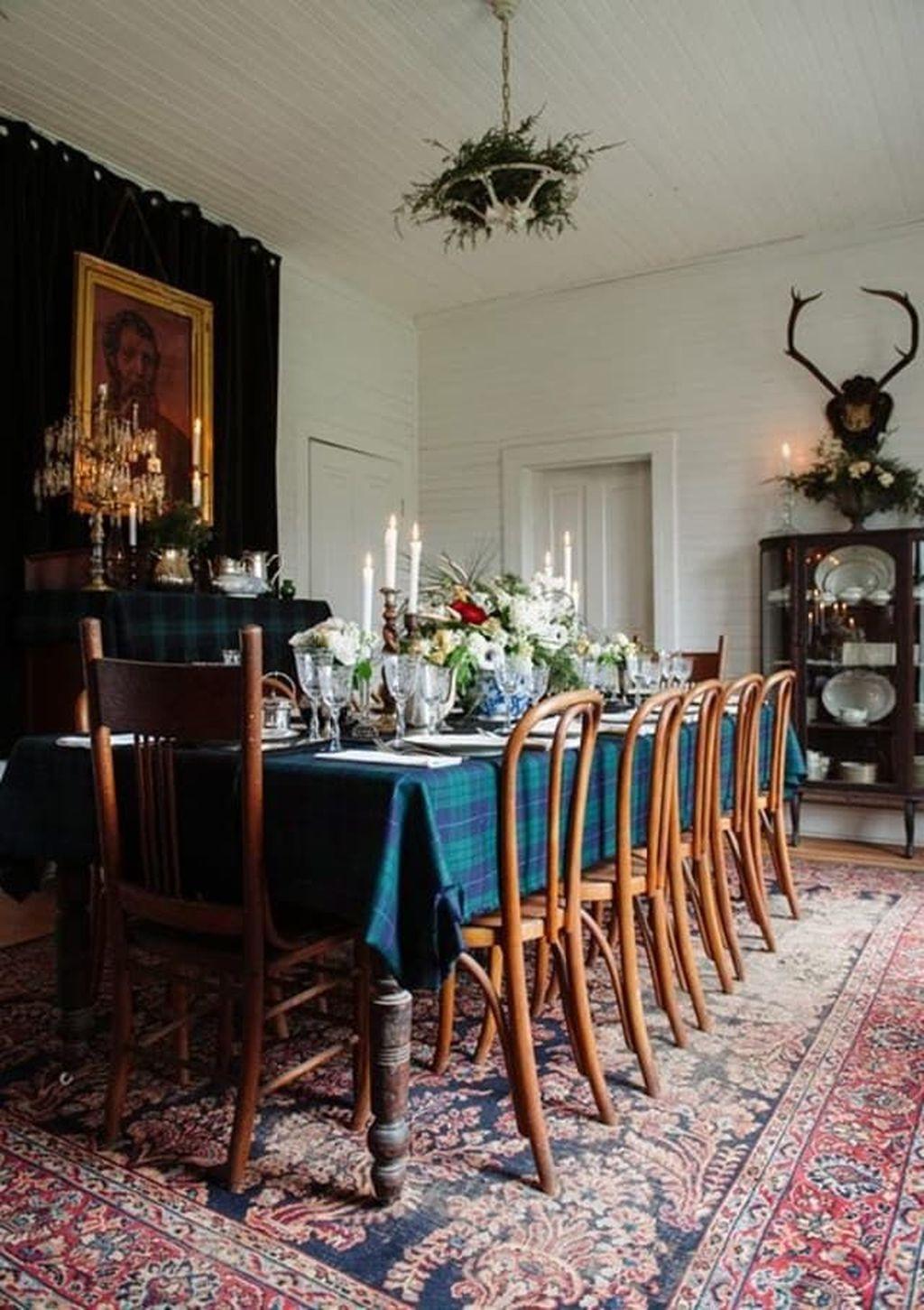 Gorgeous Christmas Apartment Decor Ideas 43