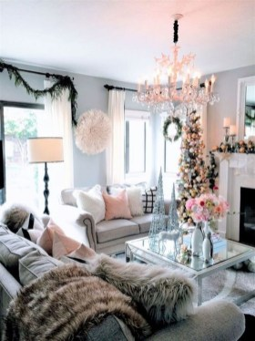 Gorgeous Christmas Apartment Decor Ideas 44