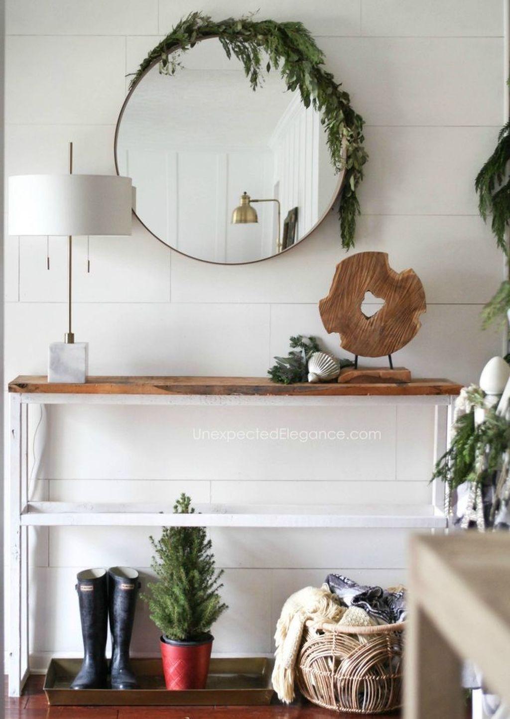 Gorgeous Christmas Apartment Decor Ideas 51