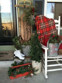 Perfect Christmas Front Porch Decor Ideas 10