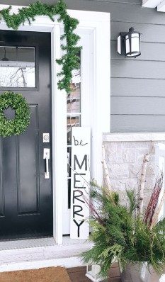 Perfect Christmas Front Porch Decor Ideas 24