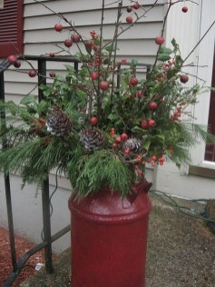 Perfect Christmas Front Porch Decor Ideas 35