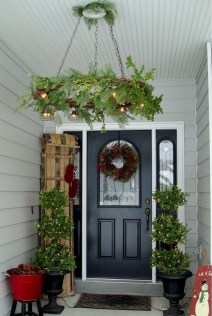 Perfect Christmas Front Porch Decor Ideas 36