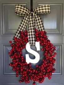 Perfect Christmas Front Porch Decor Ideas 46