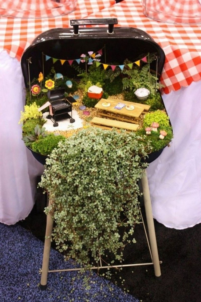 Pretty Diy Christmas Fairy Garden Ideas 15