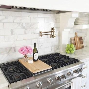 Pretty White Kitchen Backsplash Ideas 34