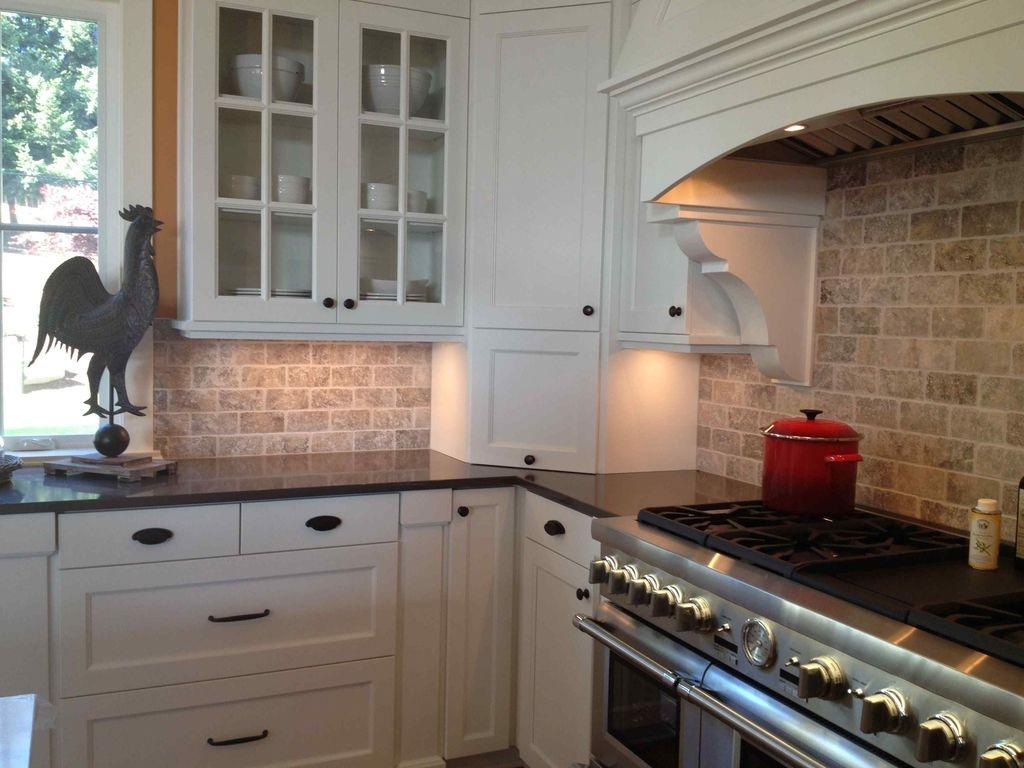 Pretty White Kitchen Backsplash Ideas 42