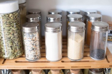 Simple Minimalist Pantry Organization Ideas 11