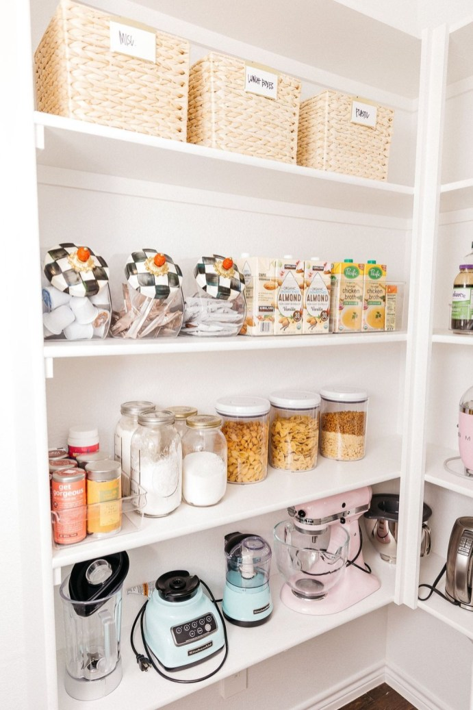 Simple Minimalist Pantry Organization Ideas 15