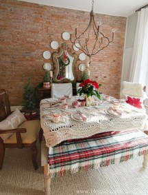 Stunning Christmas Dining Table Decoration Ideas 05