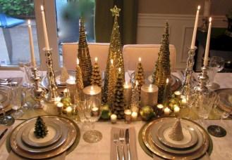 Stunning Christmas Dining Table Decoration Ideas 10