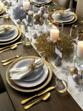 Stunning Christmas Dining Table Decoration Ideas 20