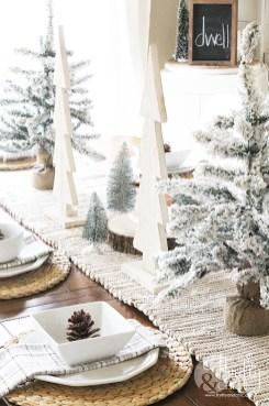 Stunning Christmas Dining Table Decoration Ideas 29