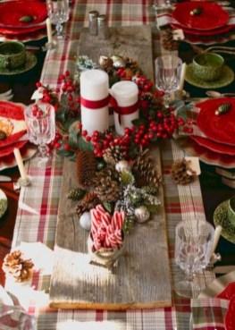Stunning Christmas Dining Table Decoration Ideas 30