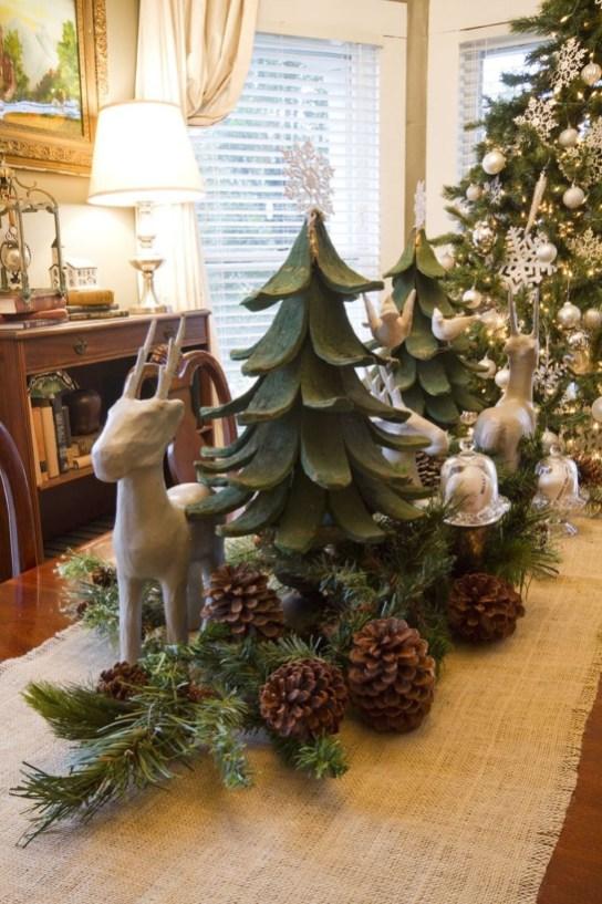 Stunning Christmas Dining Table Decoration Ideas 51