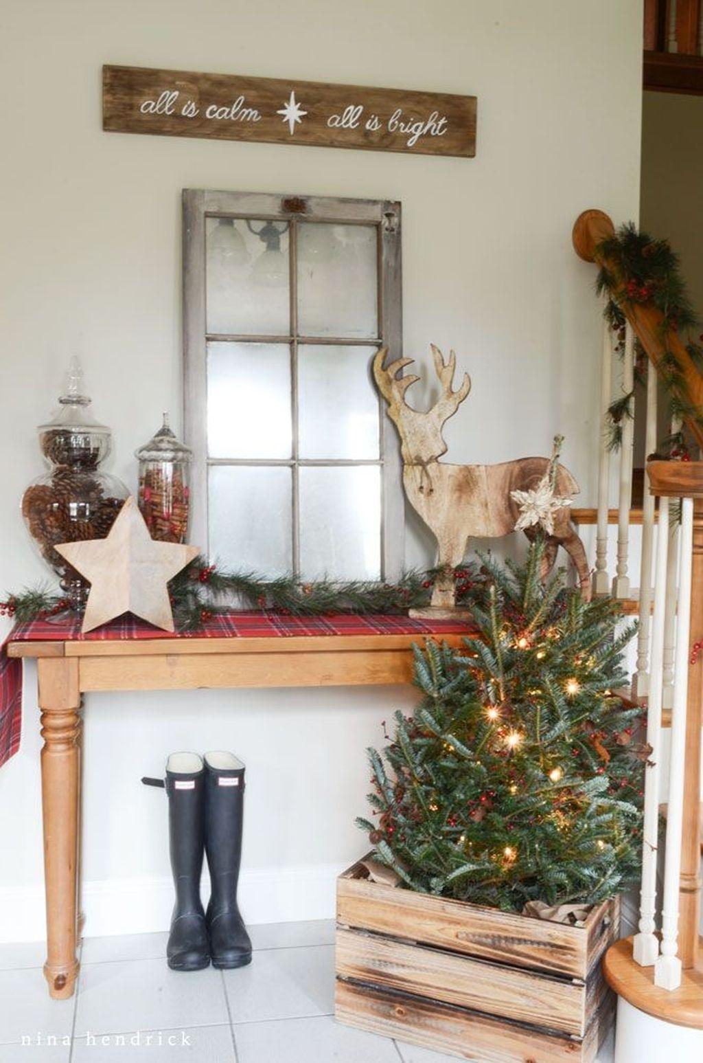 Unordinary Christmas Home Decor Ideas 21