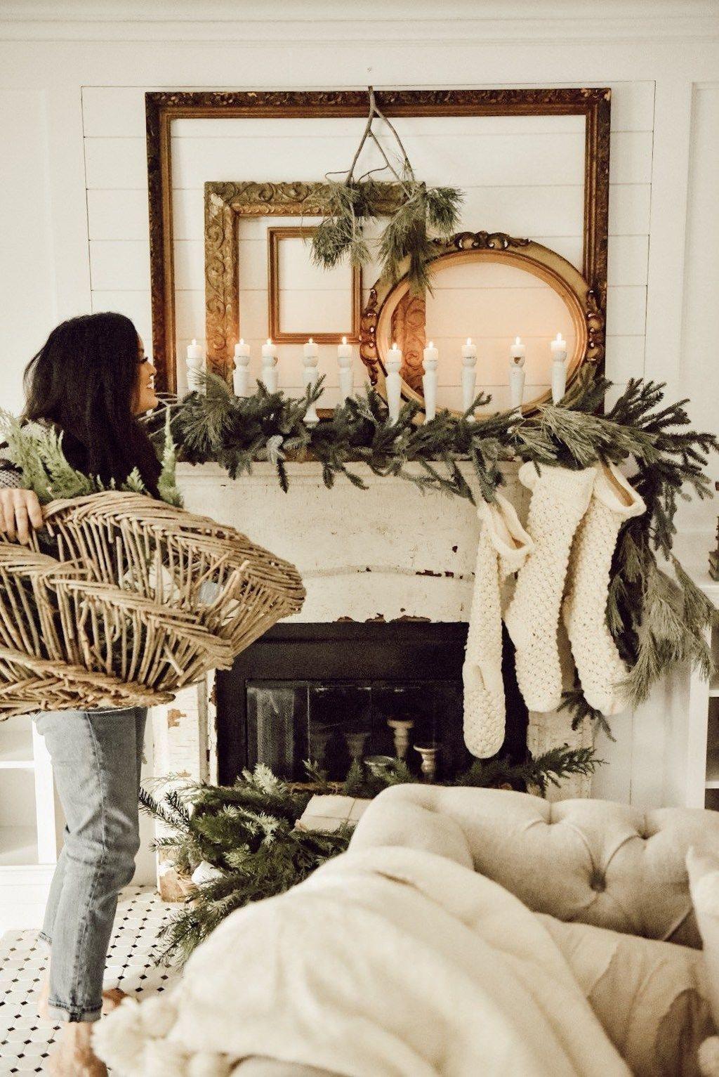 Unordinary Christmas Home Decor Ideas 32