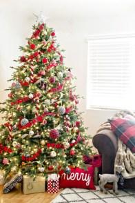 Unordinary Christmas Home Decor Ideas 43