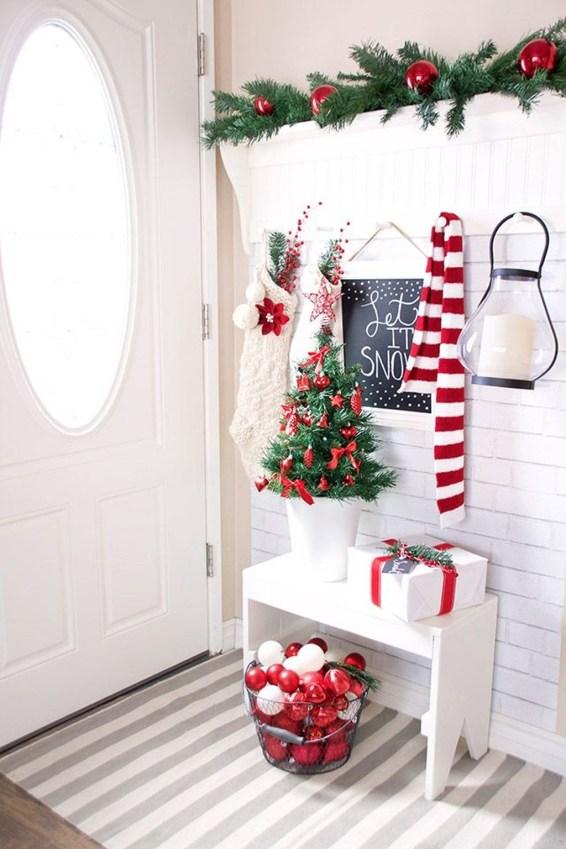 Unordinary Christmas Home Decor Ideas 51