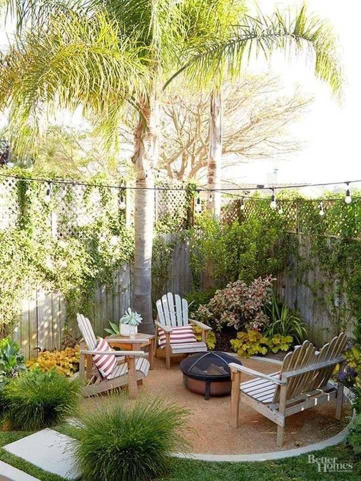 Attractive Small Patio Garden Design Ideas For Your Backyard 44